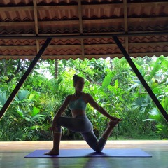 Meet Our Featured Yoga Instructor + Transformational Life Coach – Chelsea Latham